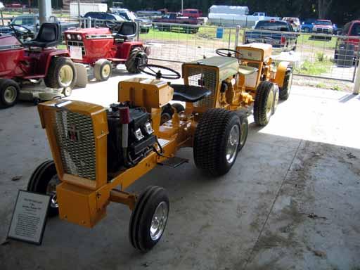 Cub Cadet Pulling Tractors : Cub cadet pulling tractor