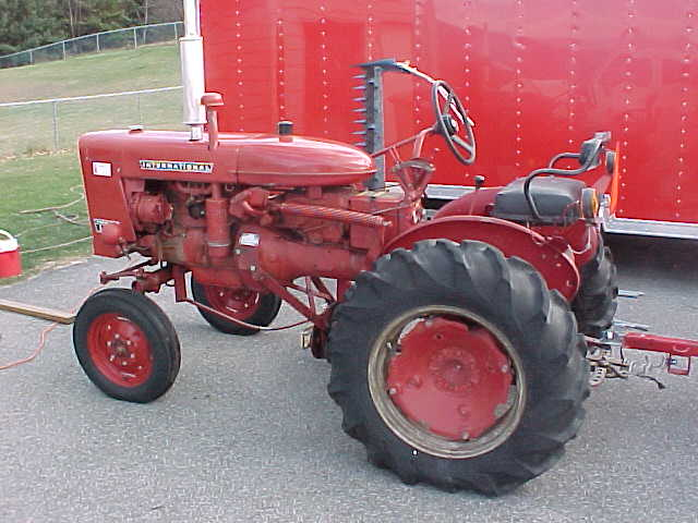 International Harvester Farmall Hi Clear 140 Antique Tractor